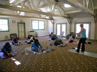 Wellness-Health-Yoga-Group-Retreat-Alpine-Meadows-Photo2